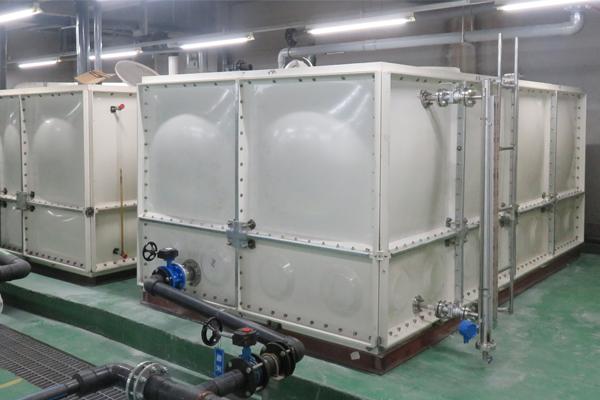 玻璃钢水箱110