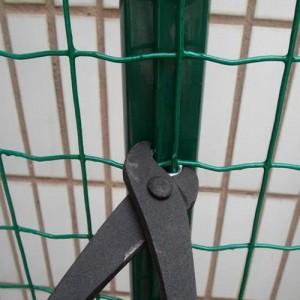 金莎直销绿色浸塑围栏网 圈地围栏网 绿色养殖围网